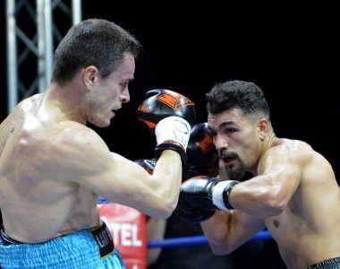 Aitor Nieto no consigue la victoria en una pelea muy igualada frente a Weiss