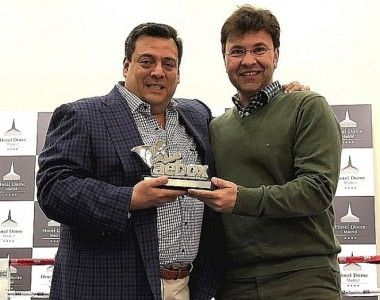 Mauricio Sulaiman recibe el Aebox Platino, que premia al fondo de ayudas José Sulaiman