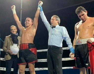 """Victoria de Jorge """"Tiburón"""" Vallejo en el regreso del boxeo a Logroño"""