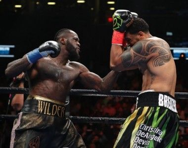 Deontay Wilder necesitó tan sólo un asalto ante Dominic Breazeale