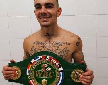 Jon Fernández debutó con KO en el ligero…nuevo Campeón Latino del Consejo (WBC)