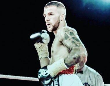 """Arsen Ruso, se cae por lesión del """"The Boss Of Boxing"""" el  26 en Sevilla"""